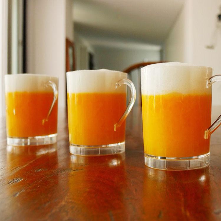 鮮やかなオレンジ色が映える、夏のスイーツ